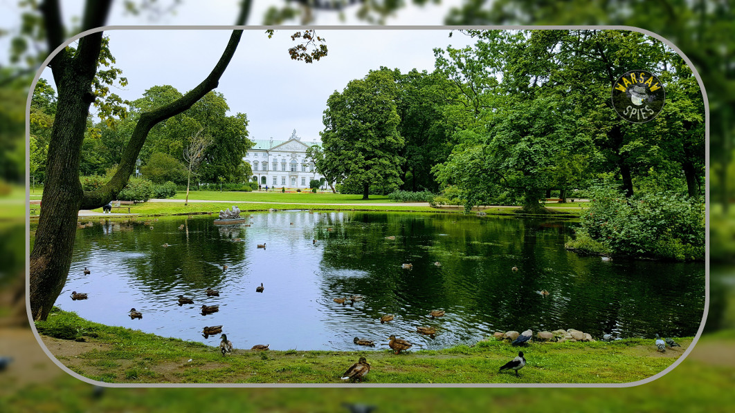 Warsaw, the Krasinskich Park and Palace